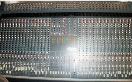 SOUNDCRAFT GHOST LE32 _1