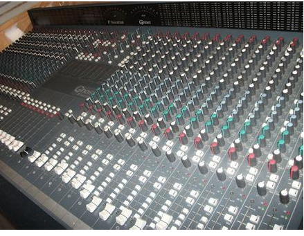 SOUNDCRAFT GHOST LE32 _3
