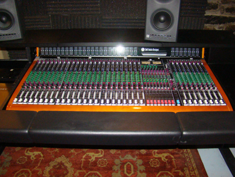 toft atb 32 analog recording console with meter bridge. Black Bedroom Furniture Sets. Home Design Ideas