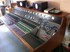VINTAGE TRIDENT B RANGE MIXING CONSOLE_01